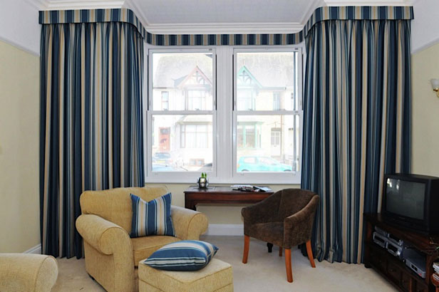 Curtains and Pelmets made in Warwickshire